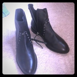 NWOT Topshop studded ankle boots